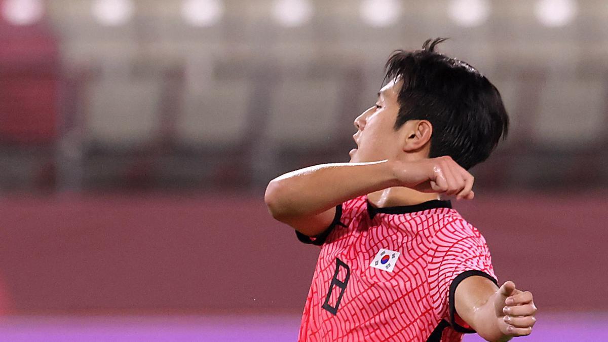 Kang In, con Corea del Sur