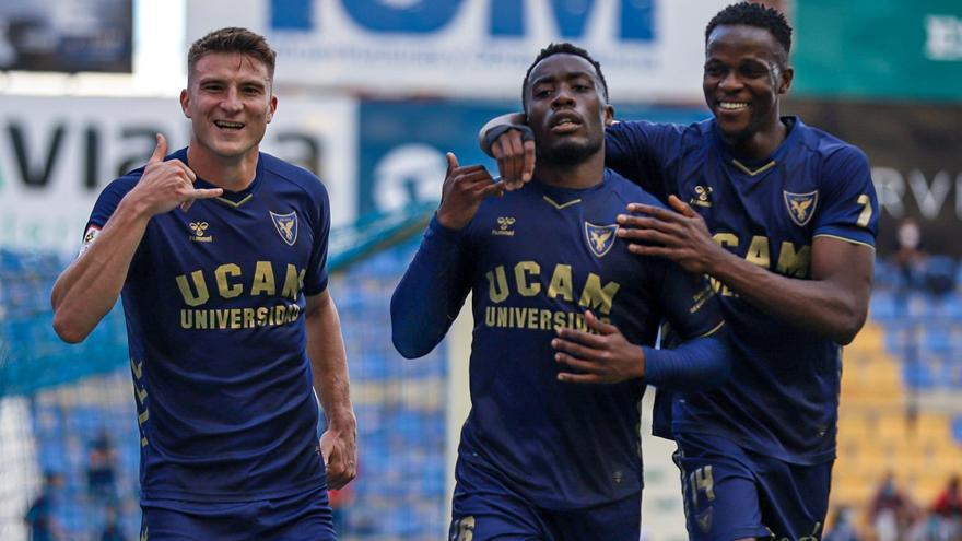 El UCAM Murcia se gusta ante el San Fernando (3-1)