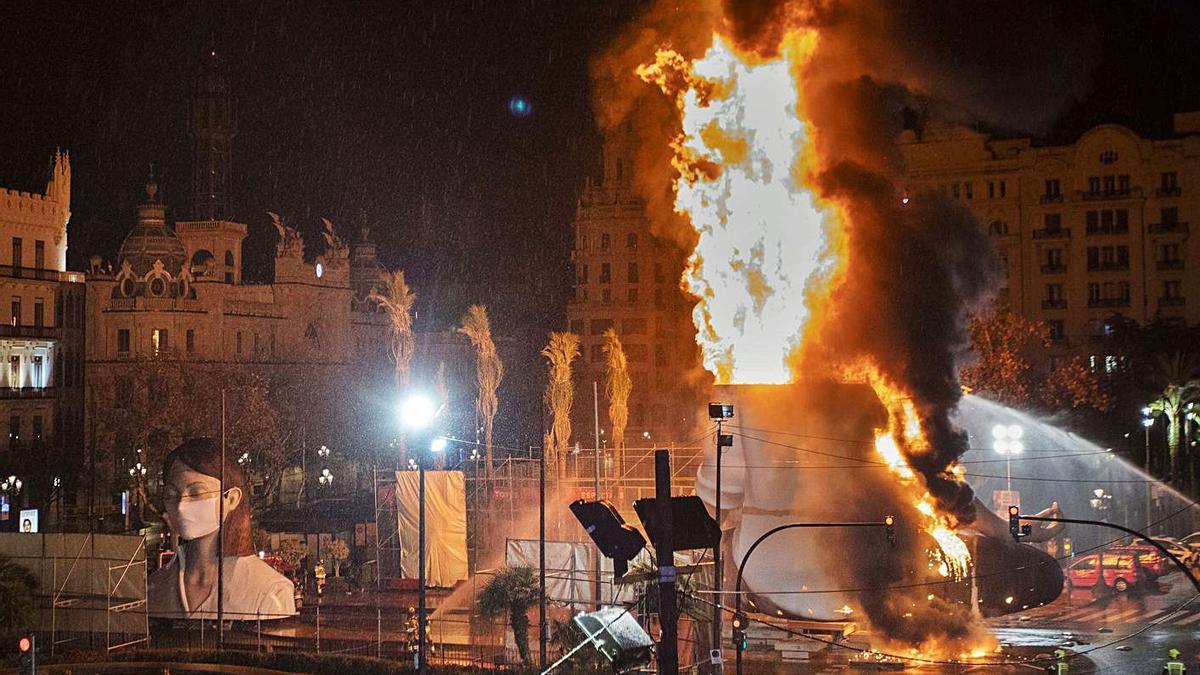 El fuego no regresará a València antes de 16 meses desde la quema de la Meditadora. | GERMAN CABALLERO