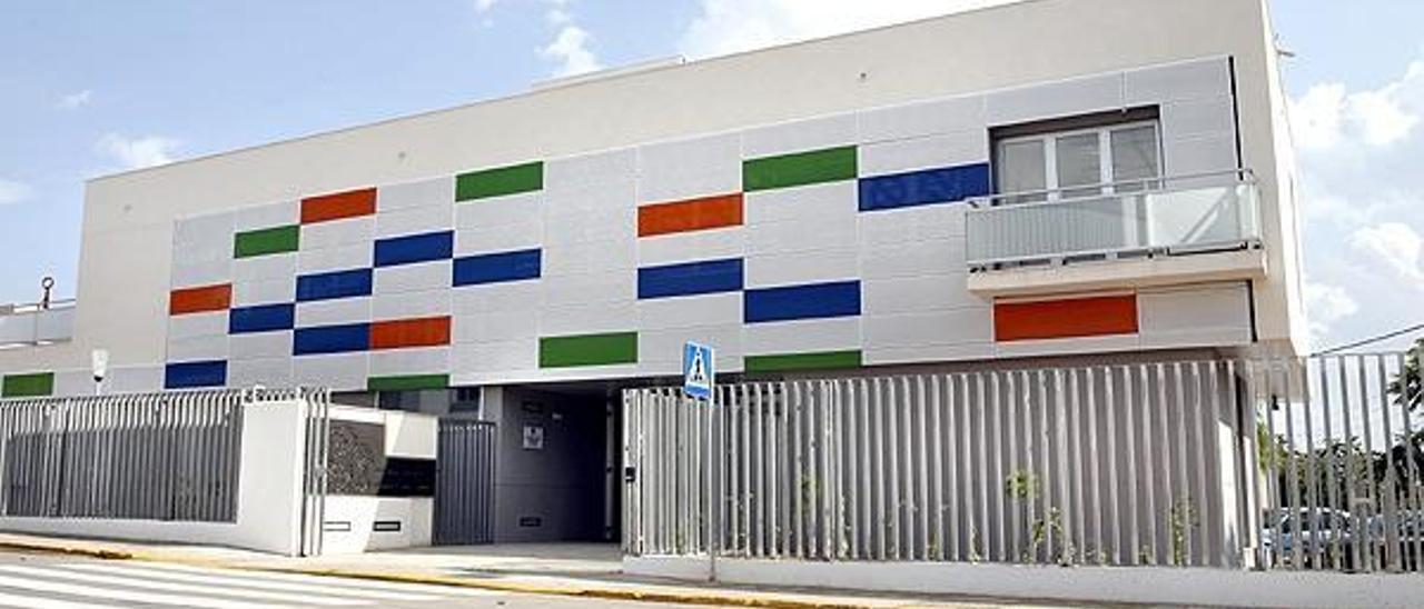 El Gobierno denuncia a Paterna por contratar a la plantilla de la «escoleta»