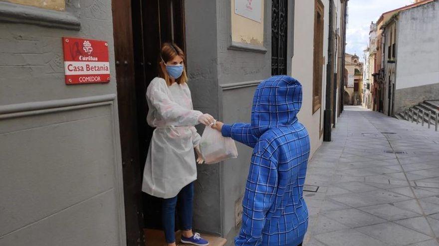 Cáritas y la fundación Inocente surtirán a 450 menores de la diócesis de Plasencia de alimentos