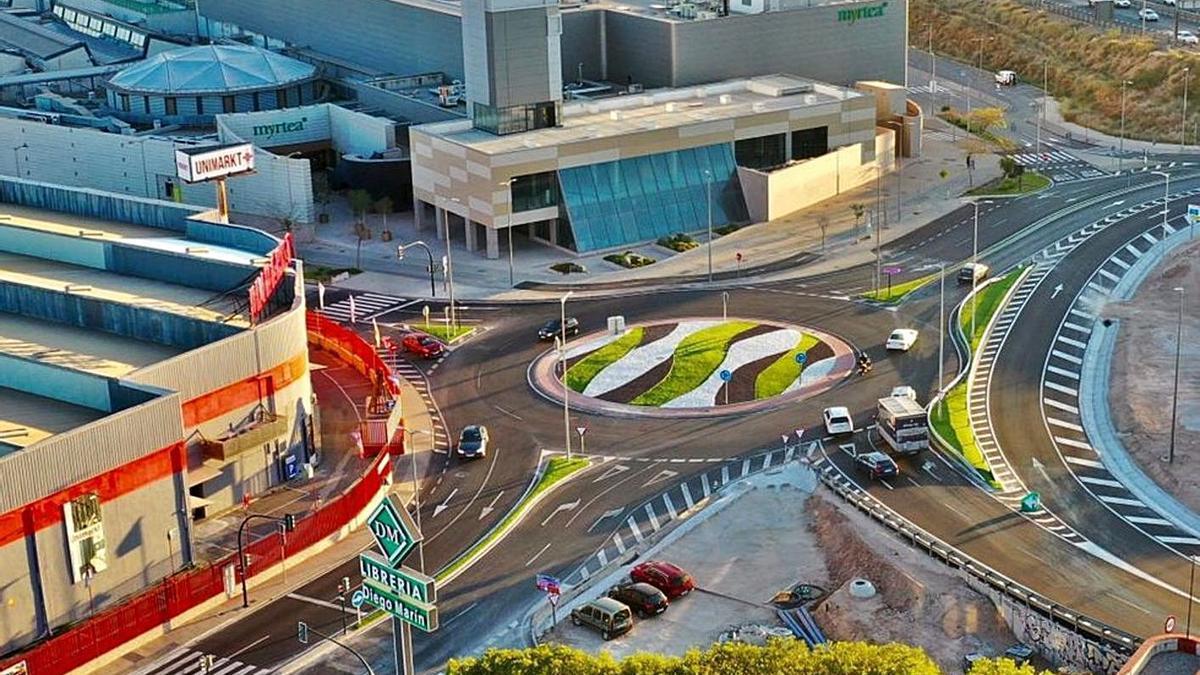 Estas obras han servido para reorganizar el tráfico y mejorar la circulación de la zona. | A.M.