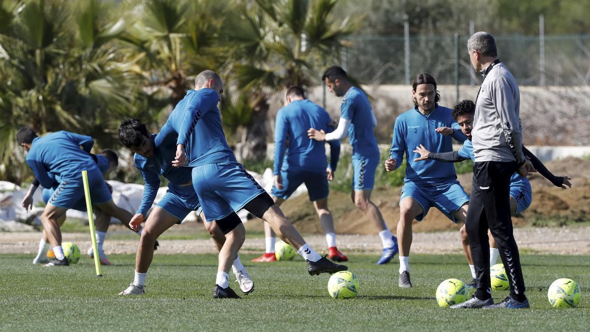 La plantilla del CD Castellón, bajo la supervisión de Garrido, ha preparado a conciencia esta semana el duelo ante el Espanyol, con la intención de dar la sorpresa.