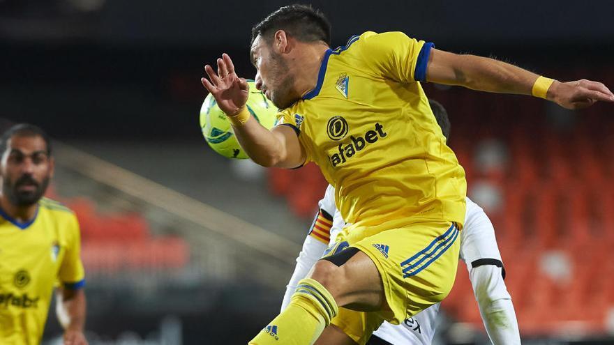 Maxi salva al Valencia ante el Cádiz de Choco Lozano