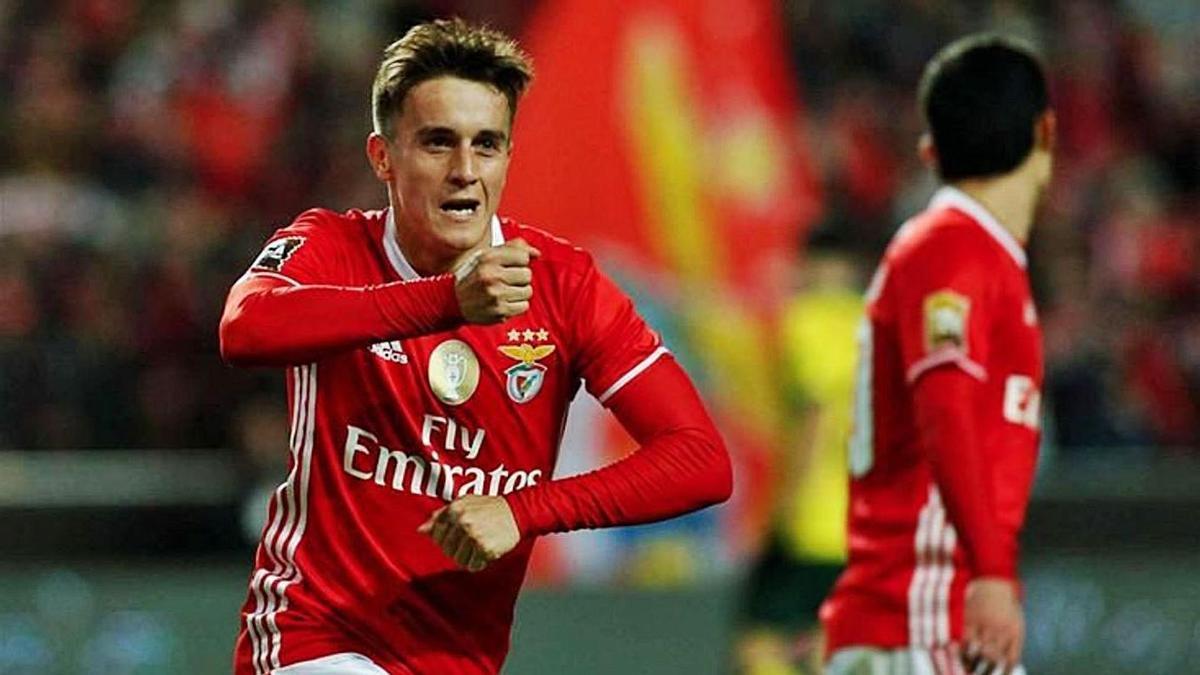 Franco Cervi celebra un gol con el Benfica, que está a punto de abandonar para jugar en Vigo.