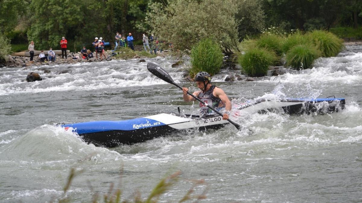 Guillermo Fidalgo (Oviedo Kayak).