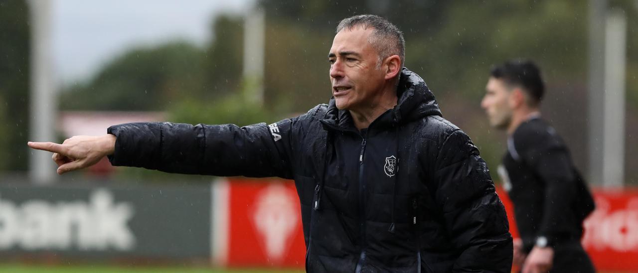 Ángel Rodríguez, entrenador del Langreo