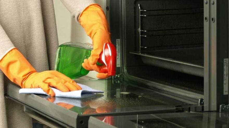 El producte que farà que el teu forn quedi lluent en pocs minuts