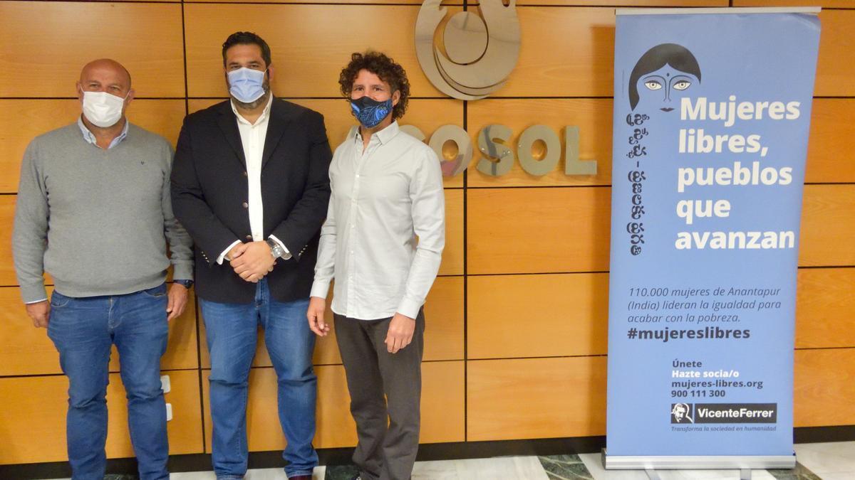 Acosol y la Fundación Vicente Ferrer firman un convenio para la construcción de estructuras hídricas