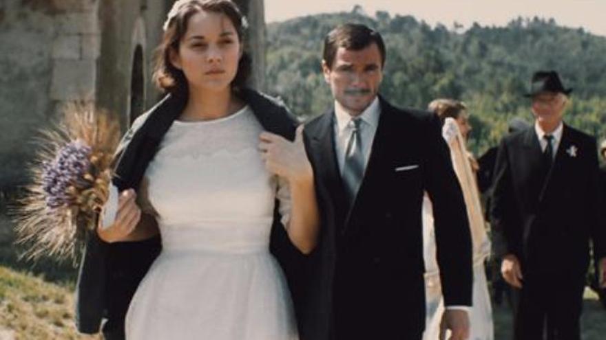 Marion Cotillard vuelve a la cartelera con un trabajo basado en una novela de Milena Agus