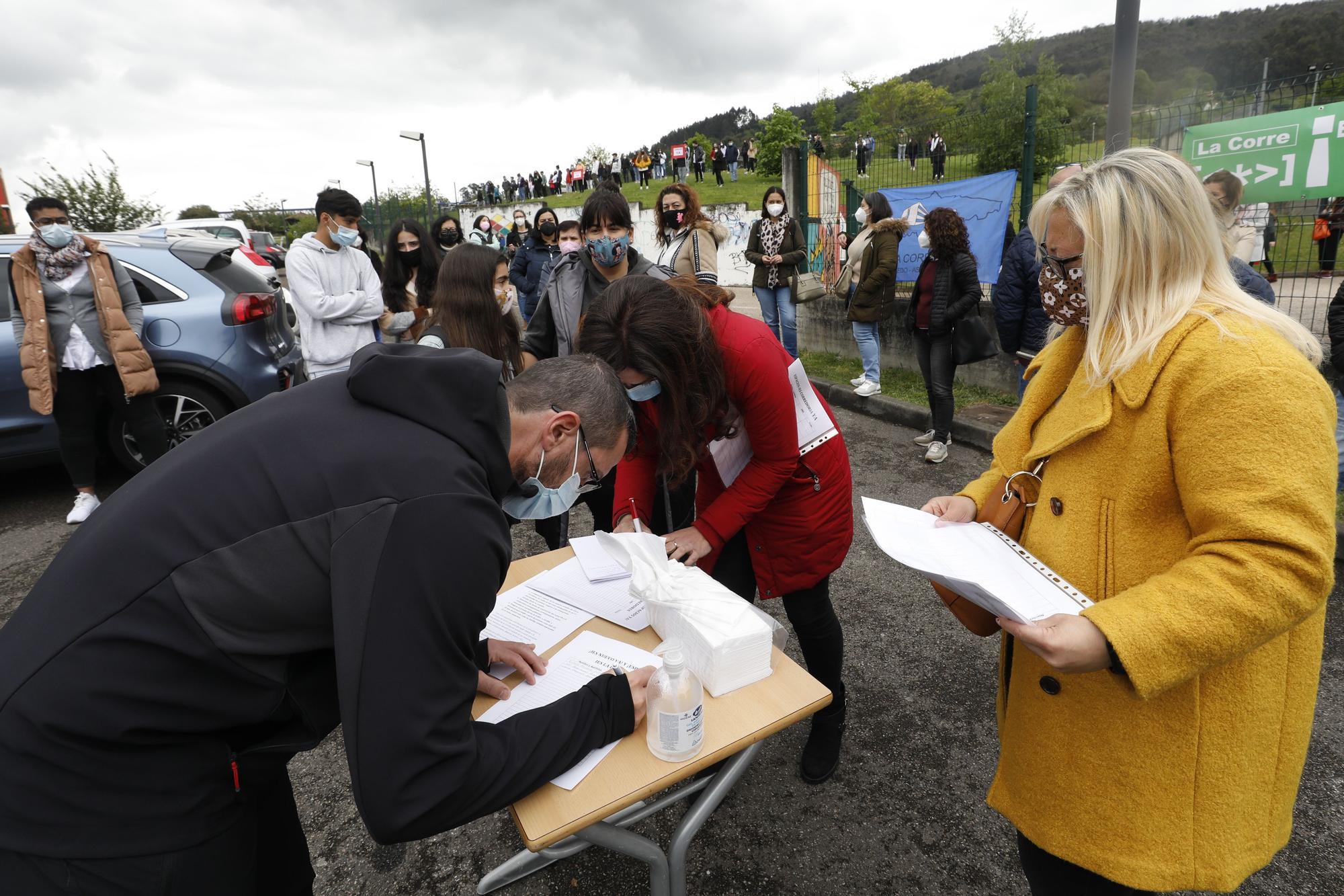 La comunidad educativa del IES La Corredoria, en pie de guerra
