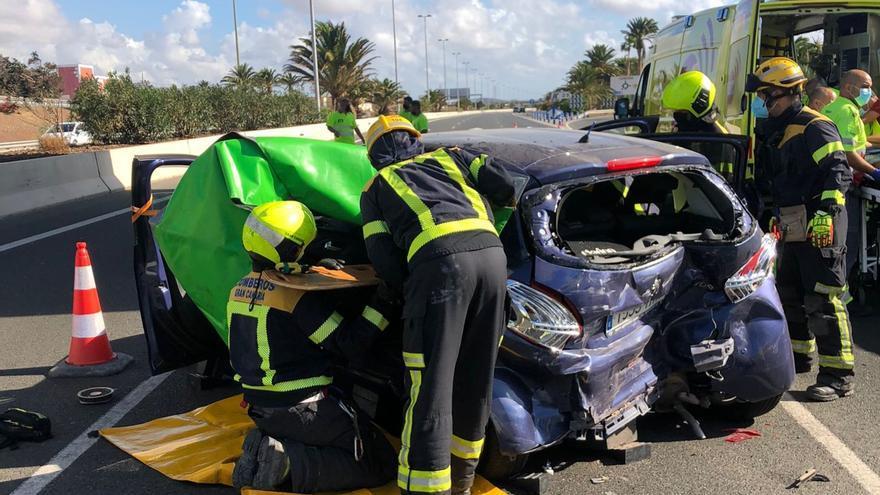 Cuatro heridos en una aparatosa colisión en la autopista del Sur de Gran Canaria