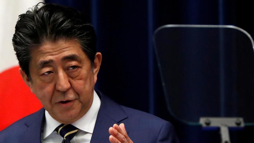 Shinzo Abe visita el hospital entre rumores sobre su salud