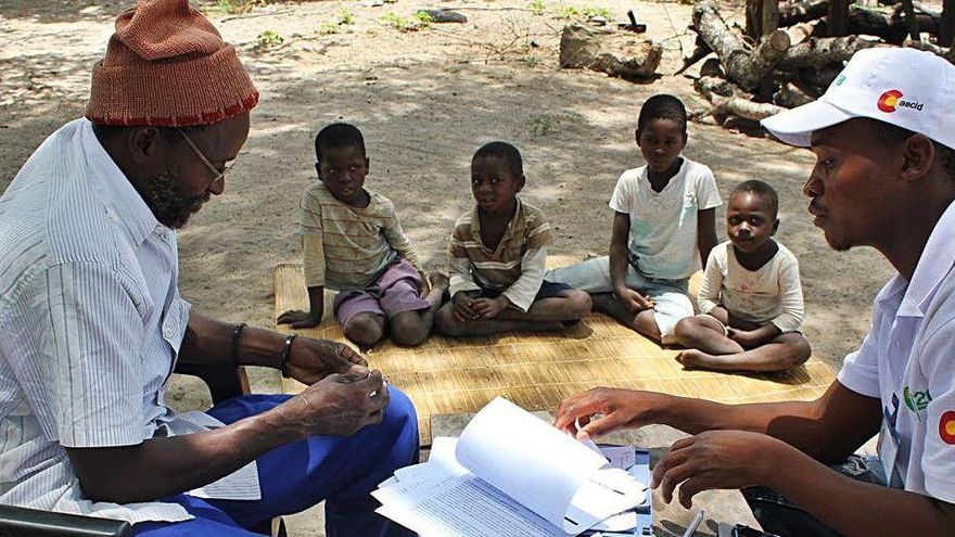 Una intervenció a Moçambic permet reduir-hi el 85% dels casos de malària