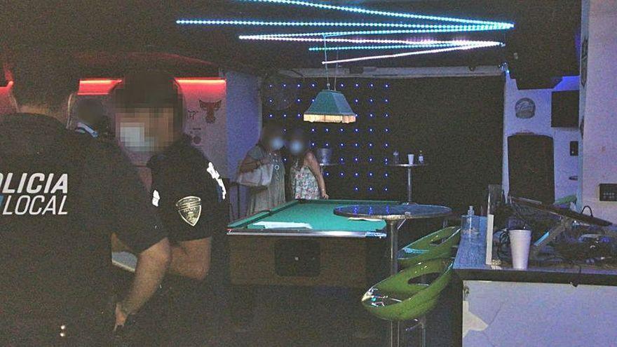 Positiv getestete Frau nahm an illegaler Party auf Mallorca teil