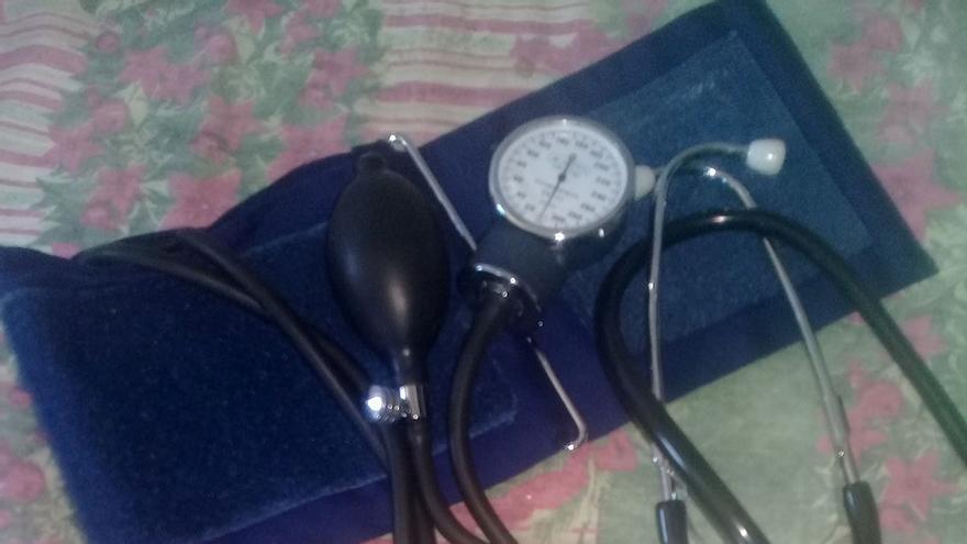Un paciente de Zamora se lleva el tensiómetro de casa porque no funcionaba el de la consulta