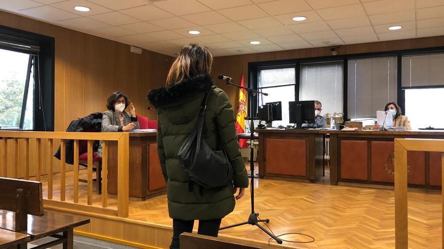Condenada a un año de cárcel en Vigo por espiar a su expareja a través de su hijo pequeño