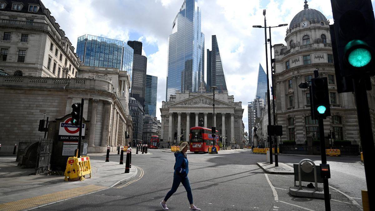Empresas que cotizan en bolsa en el Reino Unido aumentan la presencia de mujeres