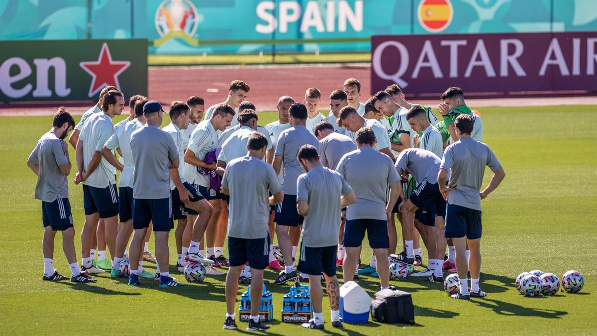 La selección española de fútbol, un entrenamiento.