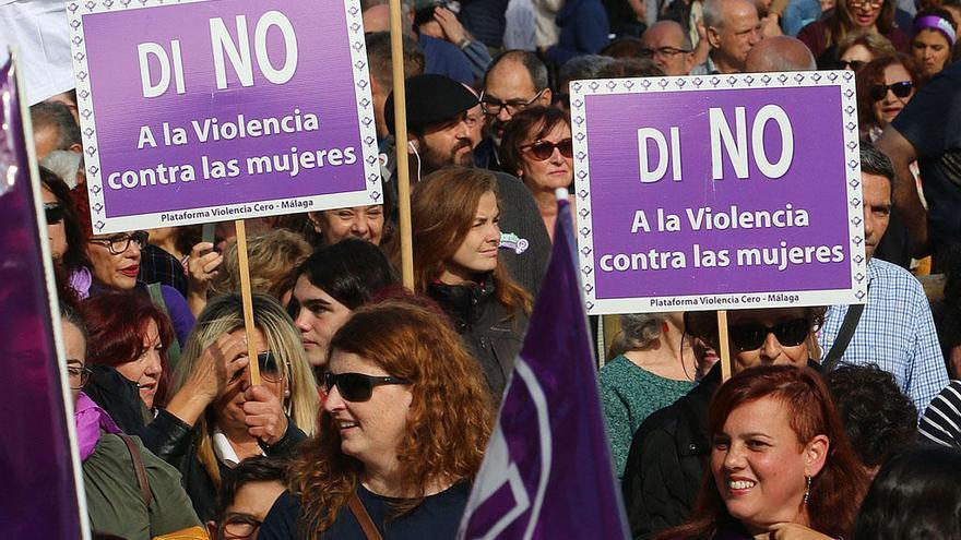 Málaga y Ágora acuerdan implicar al hombre en la prevención de la violencia
