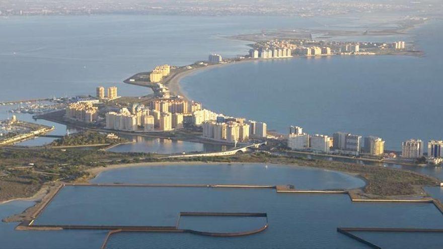 El Gobierno recupera los terrenos de Puerto Mayor, en la Manga del Mar Menor, para restaurarlos