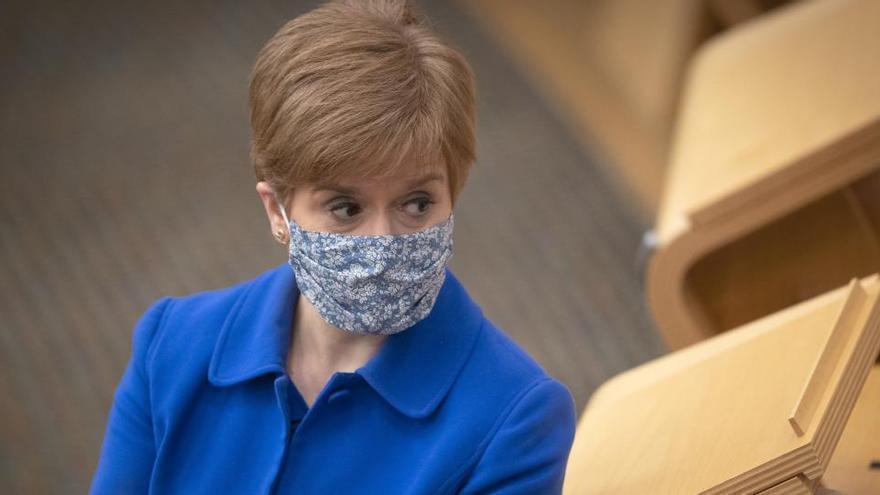 Sturgeon defiende la independencia de Escocia tras las palabras de Johnson