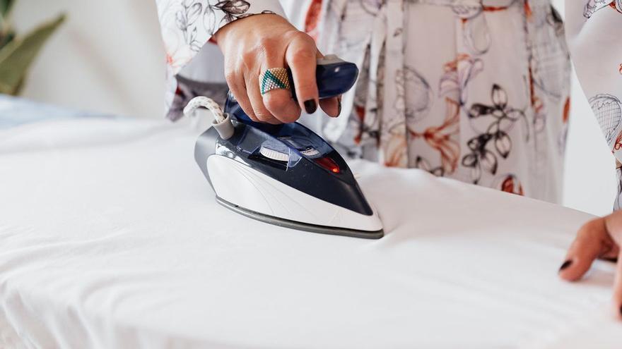 El secreto para planchar en poco tiempo y que la ropa quede perfecta