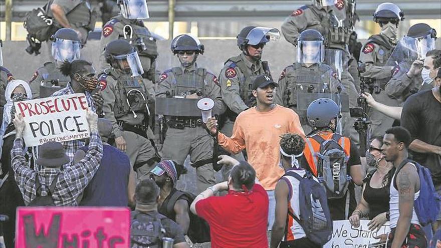Trump insiste en la represión para acabar con las protestas raciales