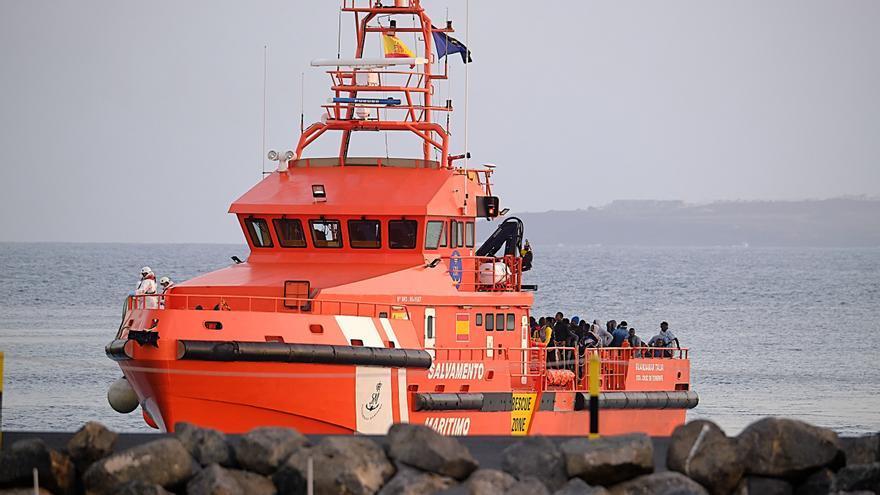 Salvamento rescata a otra embarcación con 56 personas que se dirigía a Fuerteventura