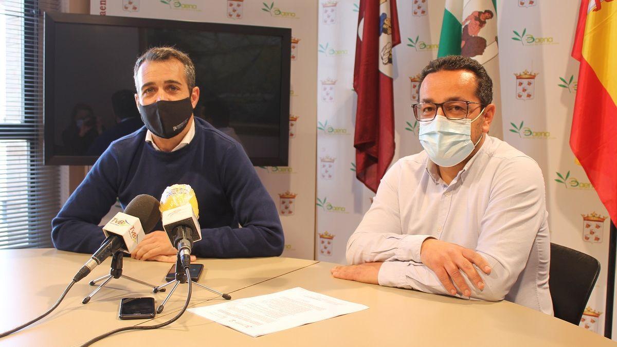 Los concejales socialistas de Baena Jesús Rojano (der.) y José Andrés García Malagón.