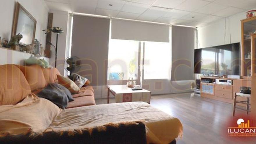 Vivir en una zona residencial es posible en cualquiera de estos pisos en venta en San Blas