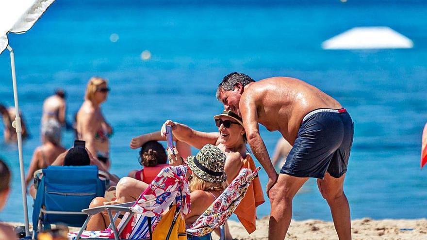 El Reino Unido prorroga las restricciones y la Costa Blanca descarta recuperar a los turistas británicos hasta el otoño