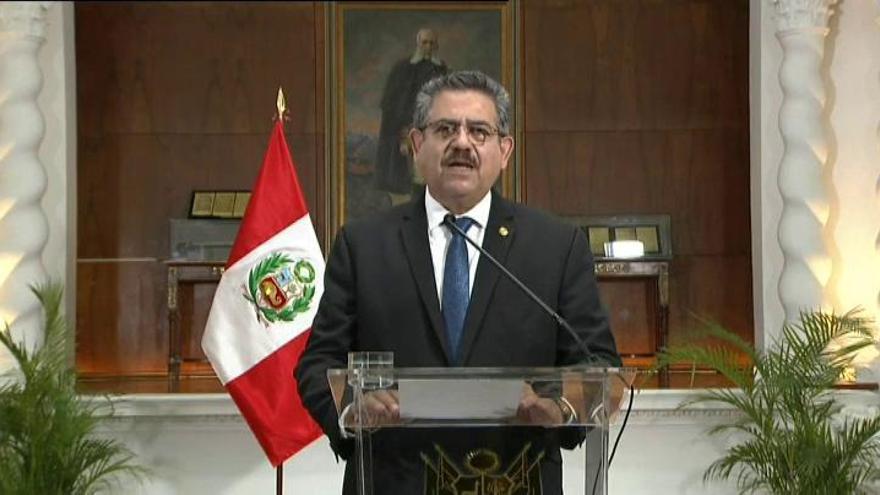 Dimite Manuel Merino, presidente interino de Perú, tras menos de una semana en el cargo