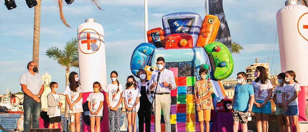 Celebración del reconocimiento de Gandia como Ciudad Amiga de la Infancia en el  Moll dels Borja  | ÀLEX OLTRA