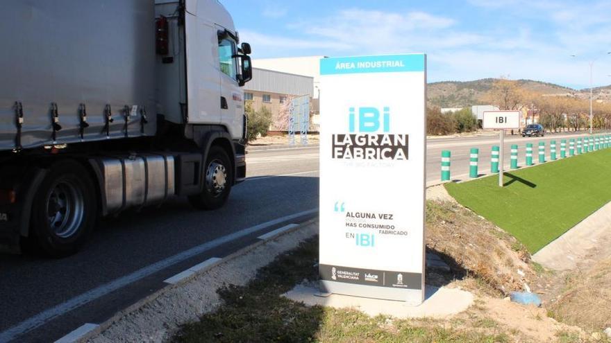 La Diputación aporta 4.700 mascarillas y 4.900 guantes para prevenir el covid en Ibi