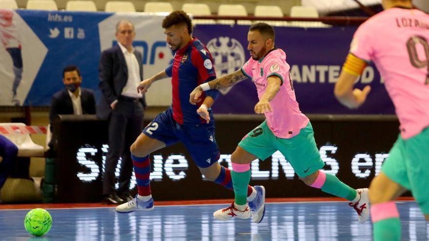 El Levante UD FS cede el liderato ante el Barça