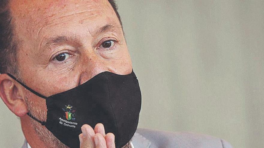 El PP expedienta al alcalde de Orihuela, acusado de cobrar sin ir a trabajar