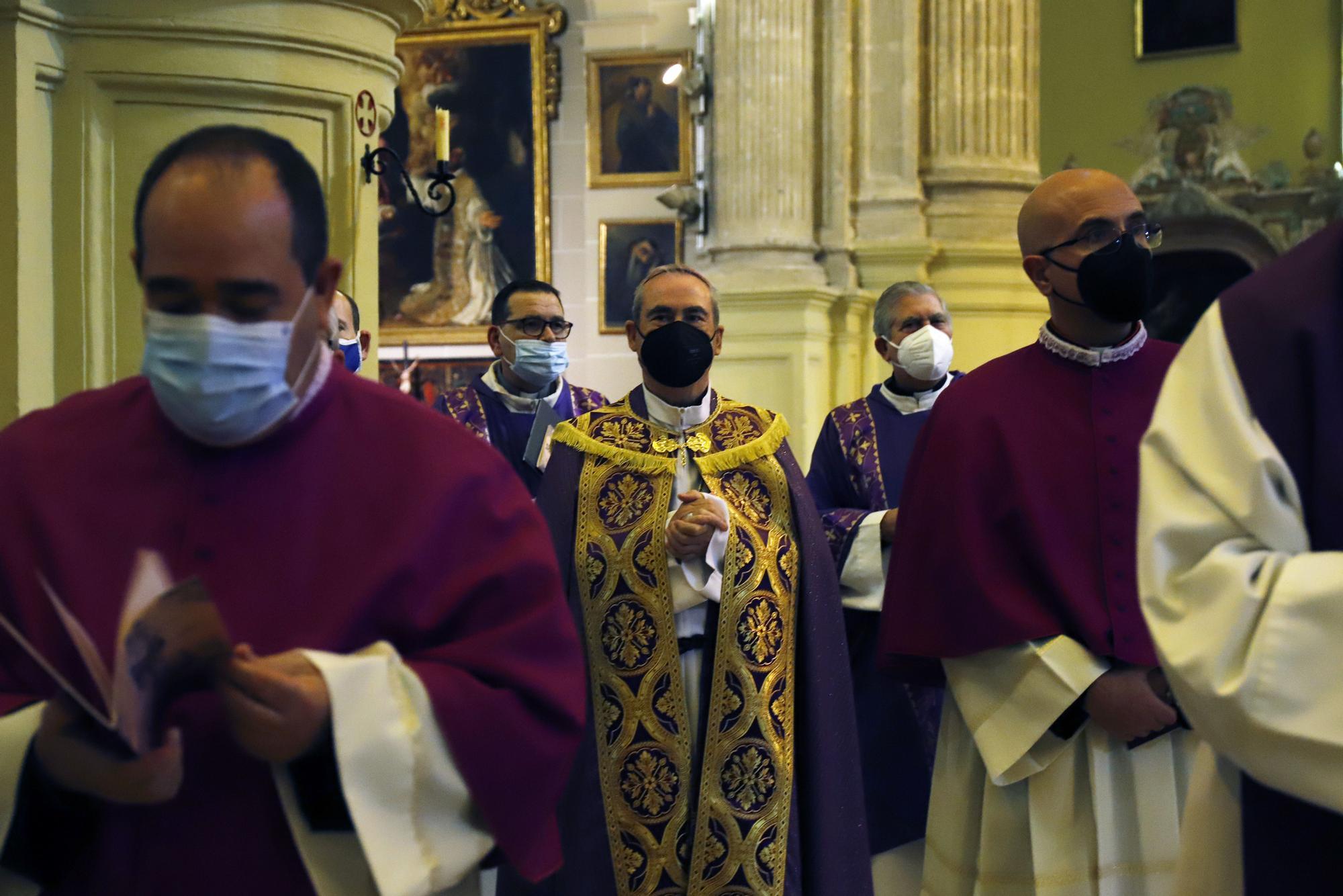 El Cristo de la Salud preside el vía crucis del primer viernes de Cuaresma en Málaga