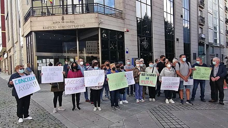 Vecinos de As Somozas reclaman a la Xunta la paralización inmediata de la cantera de Viñas