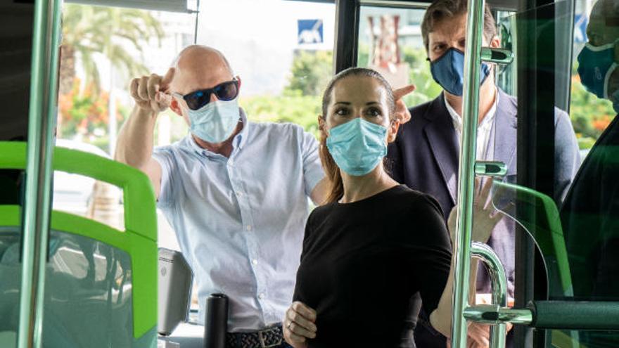 EL PSOE exige que se recupere al 100 % el servicio de guaguas de Santa Cruz