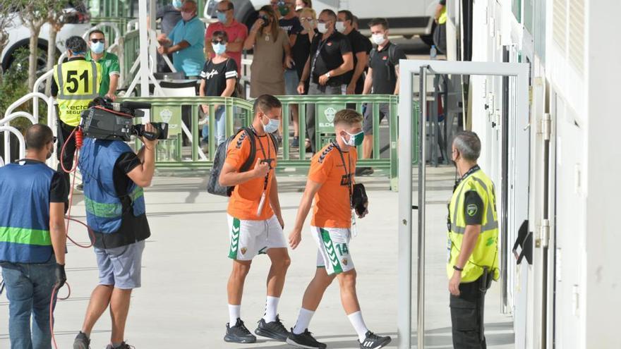 Nino comienza de suplente, Cifu, Raúl Guti y Tete Morente, titulares