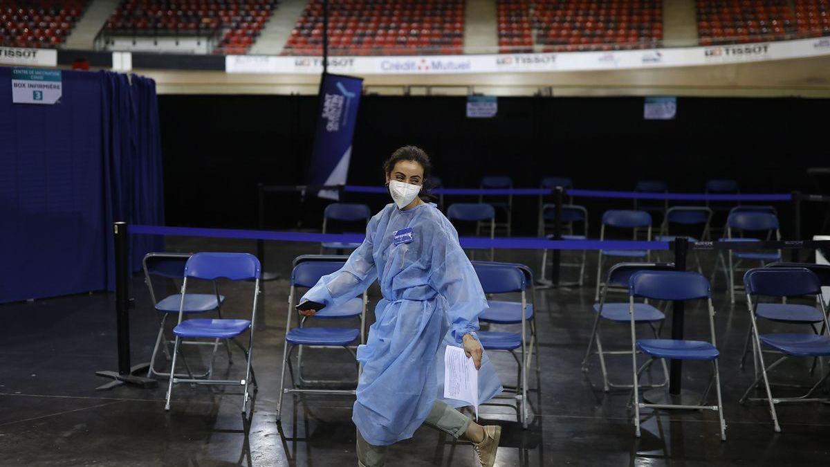 Francia refuerza las restricciones en tres departamentos