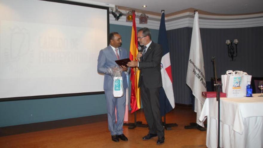 El alcalde Cazorla viaja cuatro veces a Punta Cana antes del hermanamiento