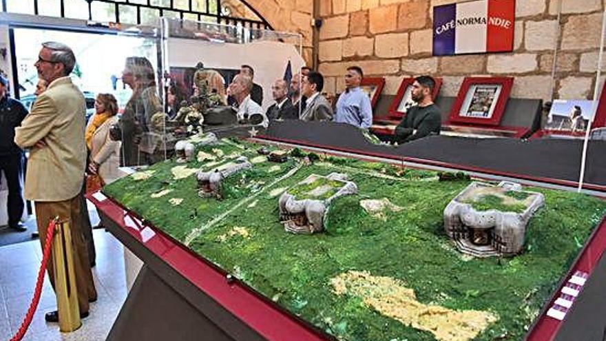 Exposición sobre el desembarco de Normandía, en el Museo Histórico Militar