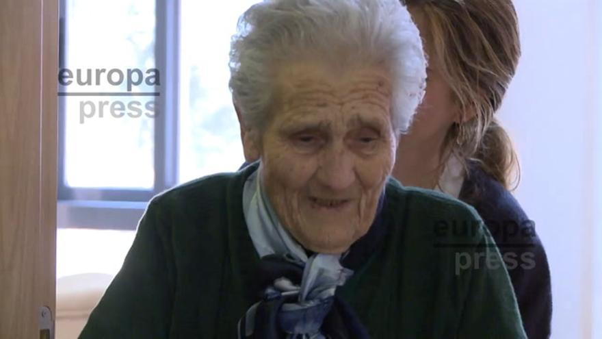 Homenajean a Visitación Arias por su 100 cumpleaños