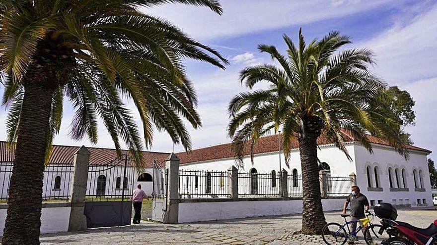 Un grupo de historiadores se opone a la cesión de La Salchi de Pozoblanco a la Junta