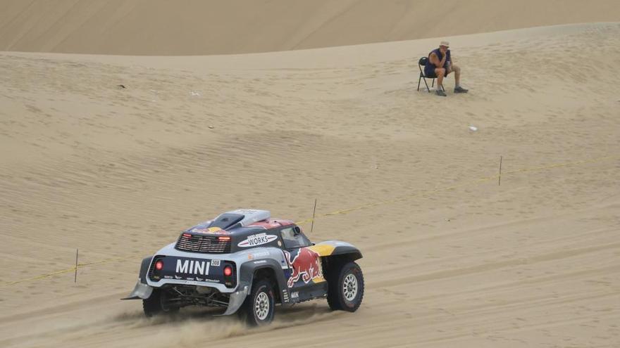 Price se coloca líder en motos y Al-Attiyah se acerca a su tercer Dakar en coches