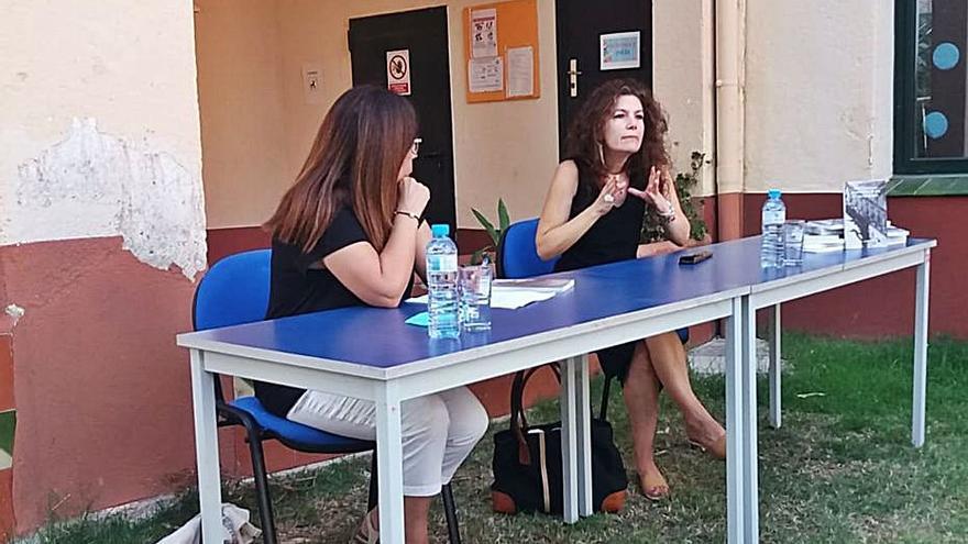 Gran acollida del llibre de l'autora Mònica Soler a Darnius