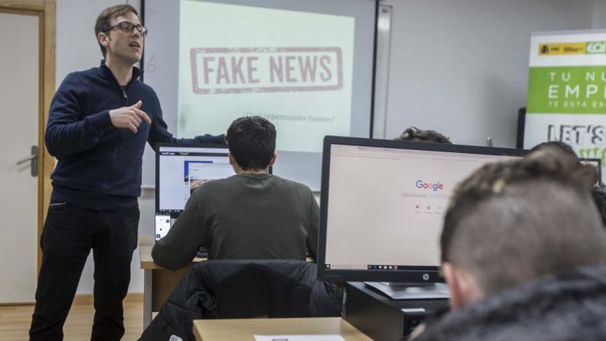 Los institutos de Secundaria de Alicante estrenan el curso que viene una asignatura contra el ciberacoso