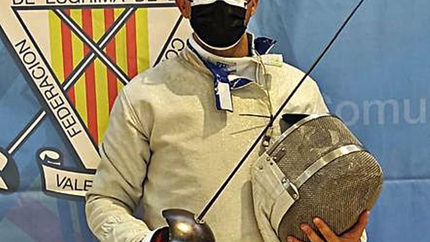 Tito Estruch es 9º en su debut autonómico en esgrima
